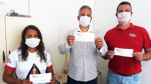ONG de Timóteo doa máscaras de proteção contra a covid