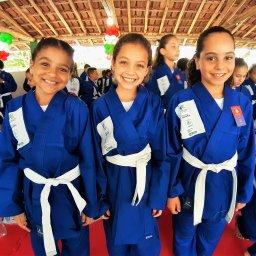 Foto de alunas do projeto social Cidade Olímpica do Ajudôu em Minas Gerais.