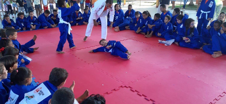 Foto Projeto Ajudôu (2)
